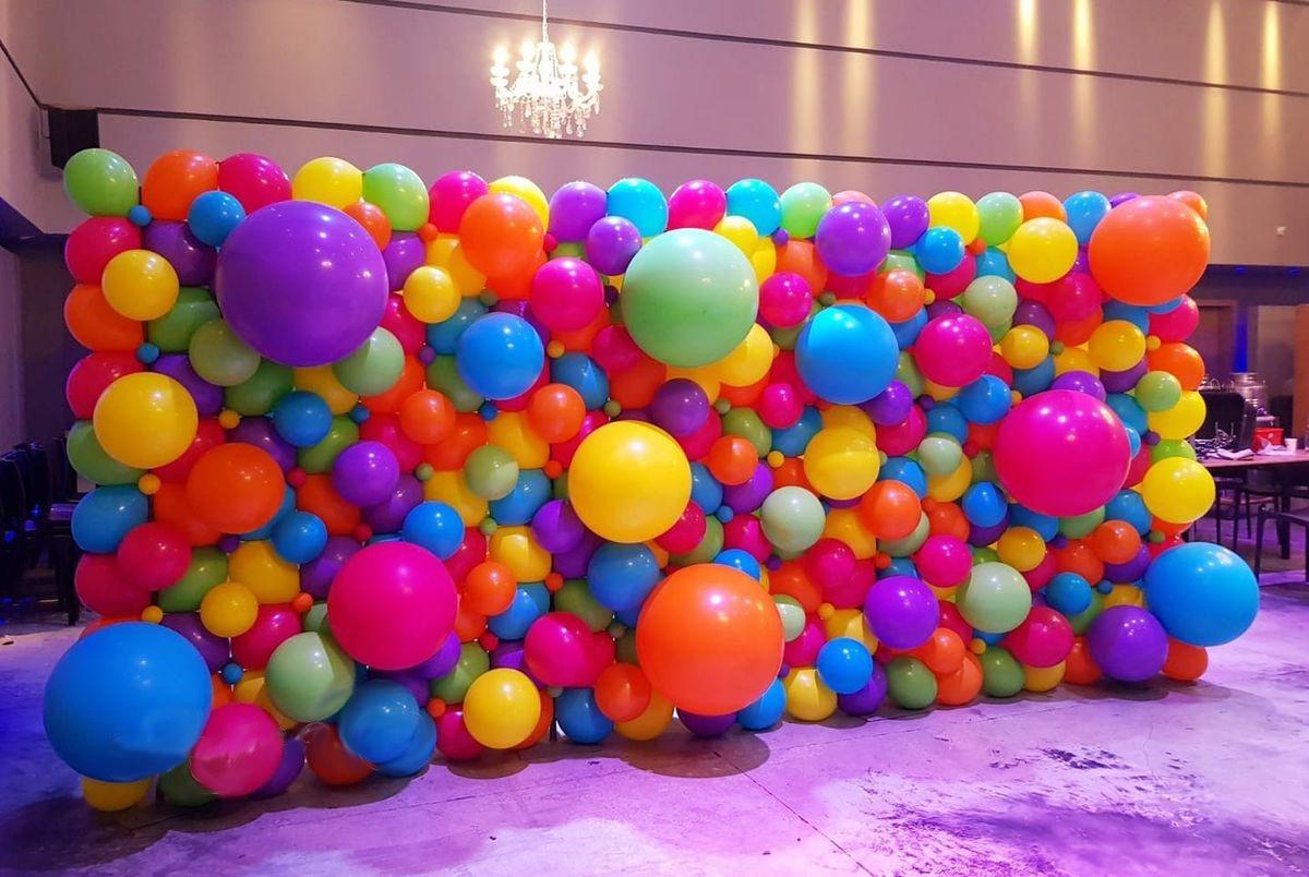 Perete baloane multicolore